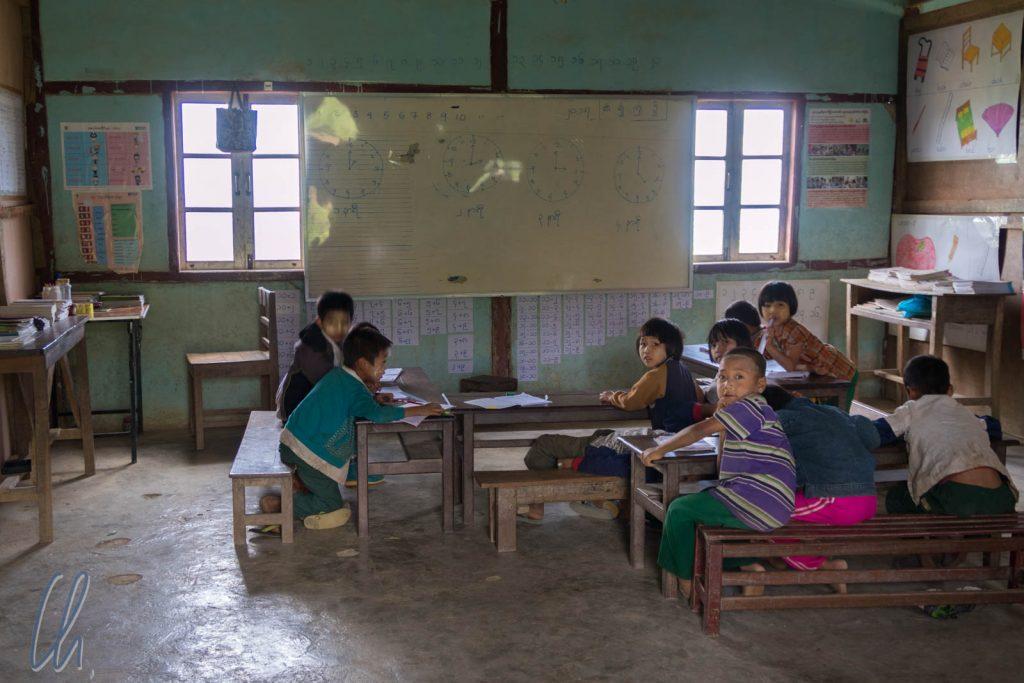 Ein Klassenzimmer in der Nähe von Kalaw