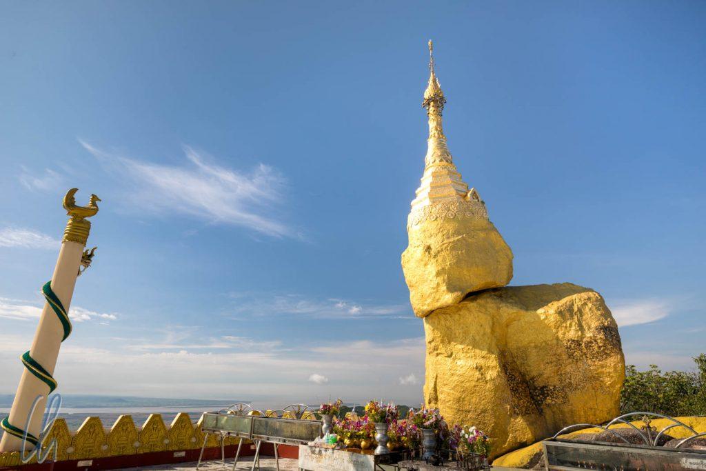 Der alternative Golden Rock an der Nwa La Bo Pagode