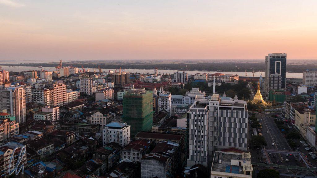 Yagon von aus der Vogelperspektive. Mit 5 Mio die größte Stadt Myanmars, aber kein Großstadtfeeling