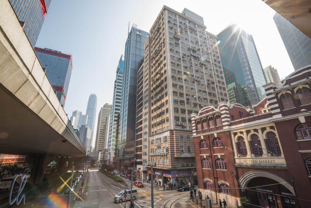 Koloniale Architektur in der modernen Stadt