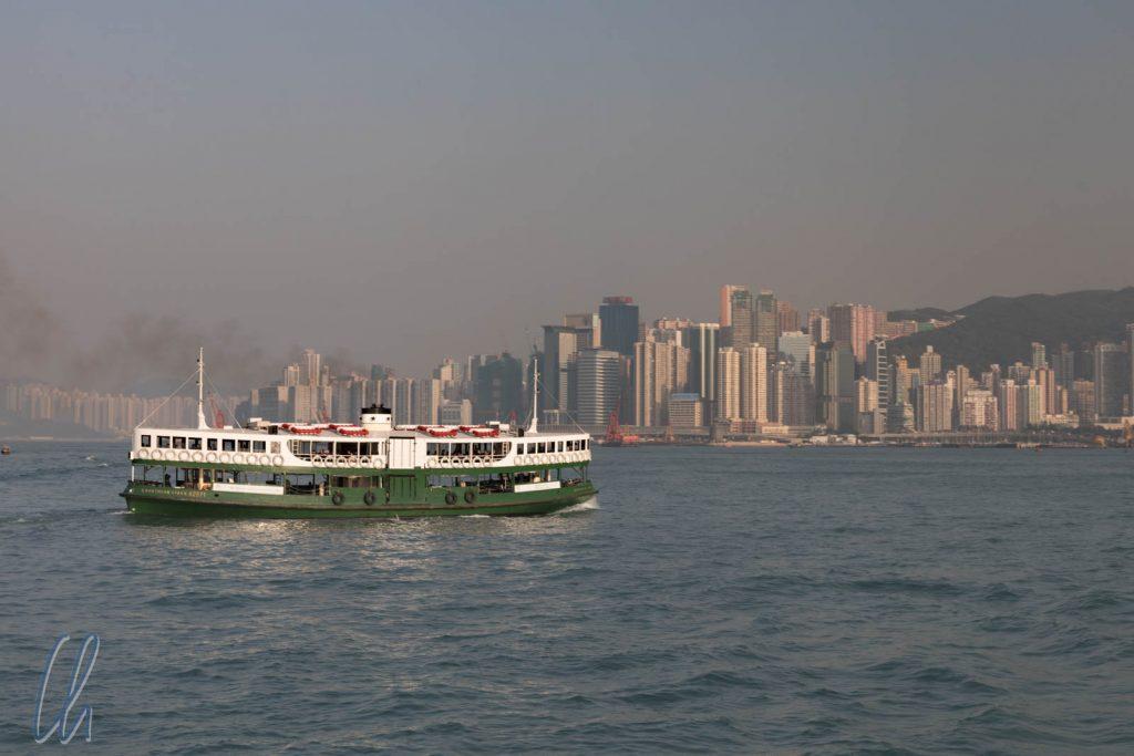 Die Star Ferry vereint den Weg mit dem Panorama