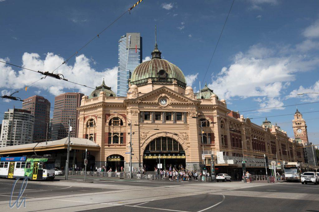 Die Flinders Station im Zentrum von Melbourne