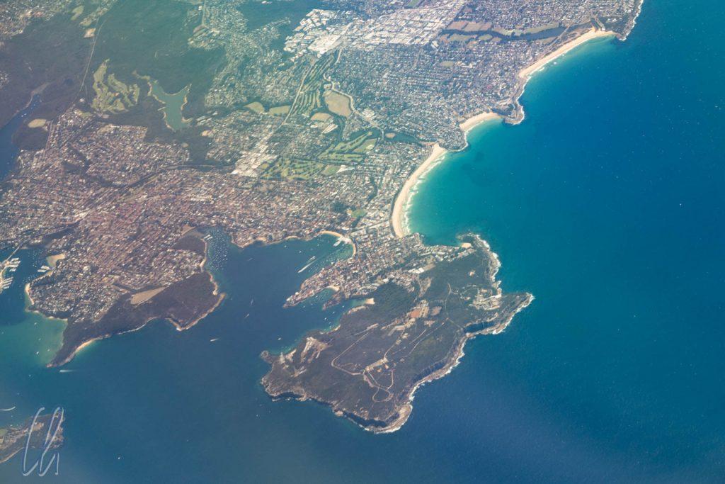 Unser letzter Blick auf Australien: Manly und der North Head bei Sydney von oben