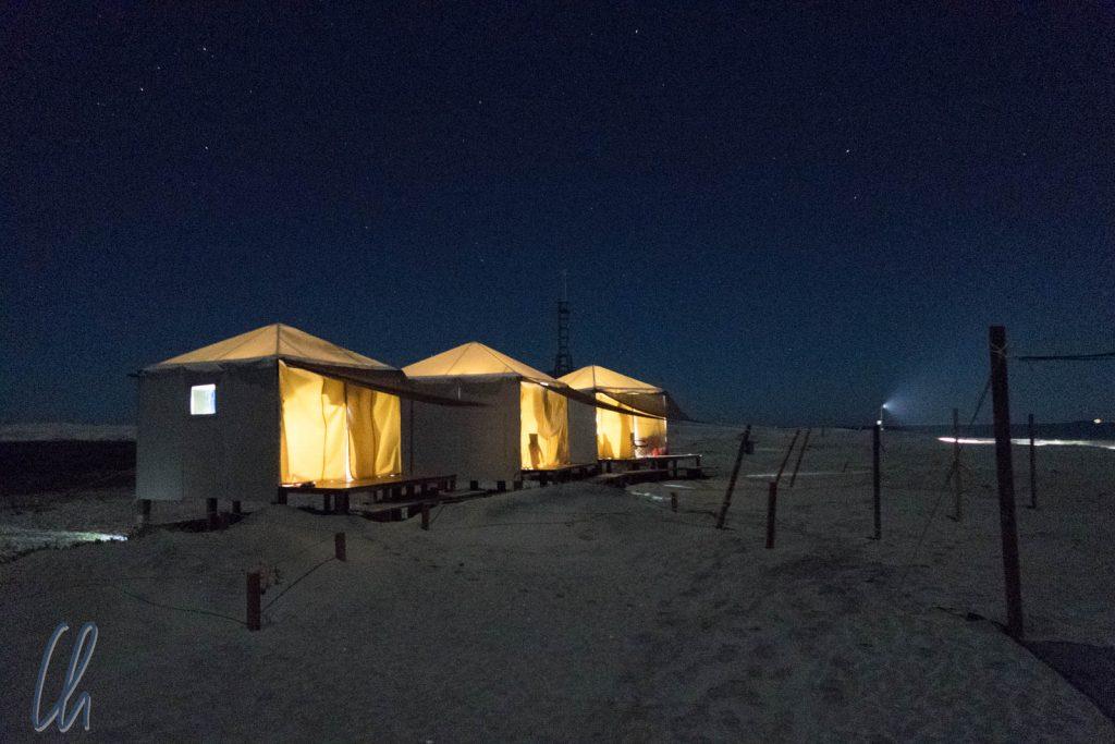 Das Whale Camp bei Nacht