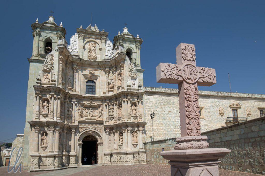 Basilica Menor de nuestra Señora de la Soledad, auf den Plätzen vor den Kirchen Oaxacas wurde oft im kleinen demonstriert