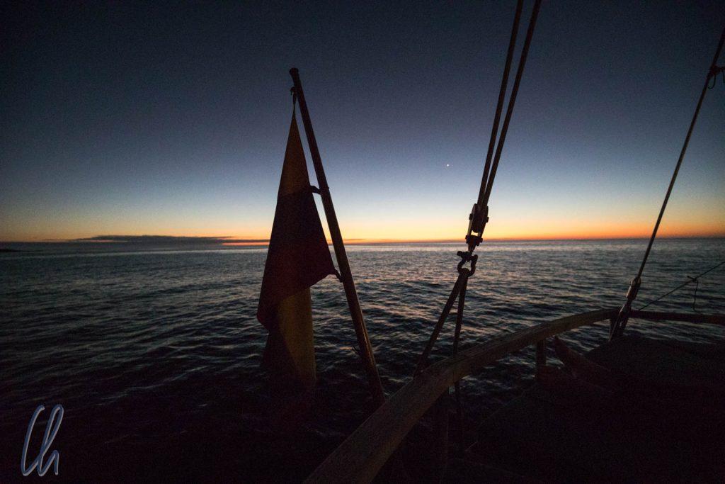 Sonnenuntergang auf der Beagle, am nächsten Morgen wachen wir vor einer anderen Insel auf