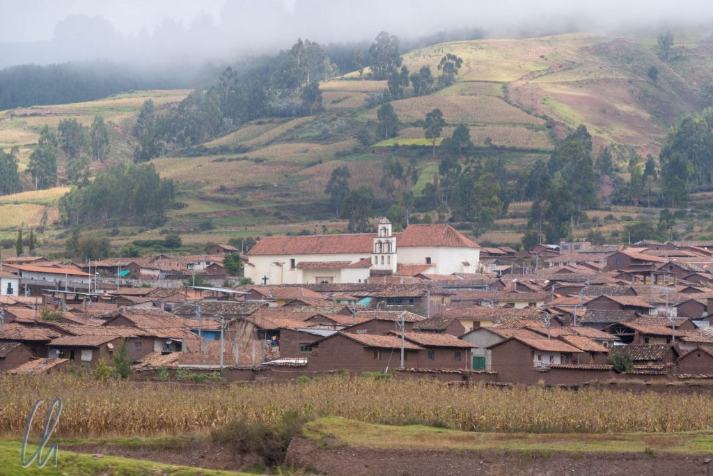 Draußen zieht die peruanische Realität vorbei.