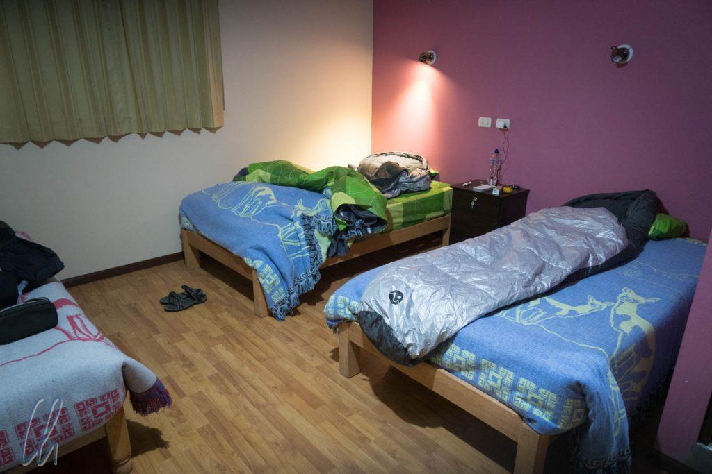 Ein schönes Zimmer, aber keine Heizung. Zum Glück bekamen wir warme Schlafsäcke gestellt.