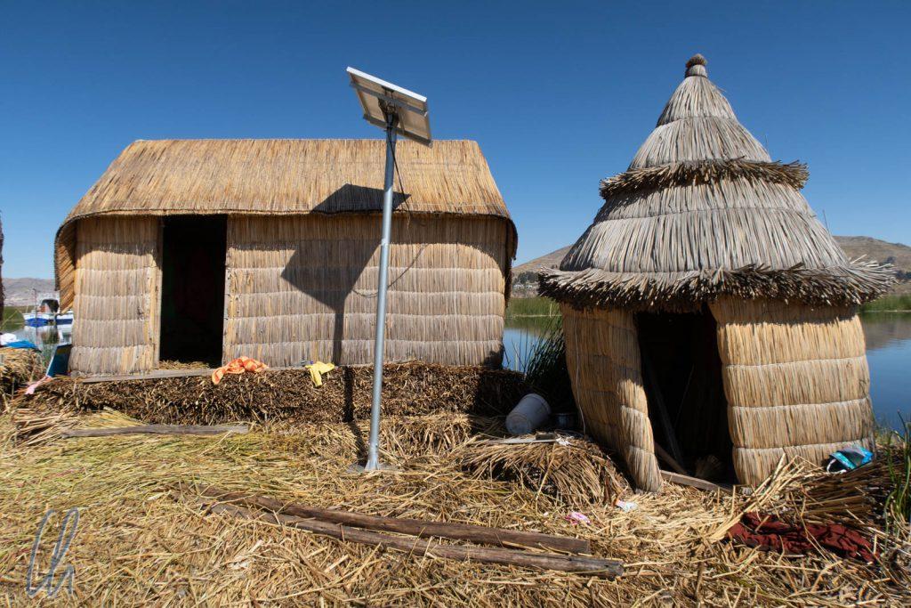Tradition und Moderne - Totora-Haus und Solaranlage