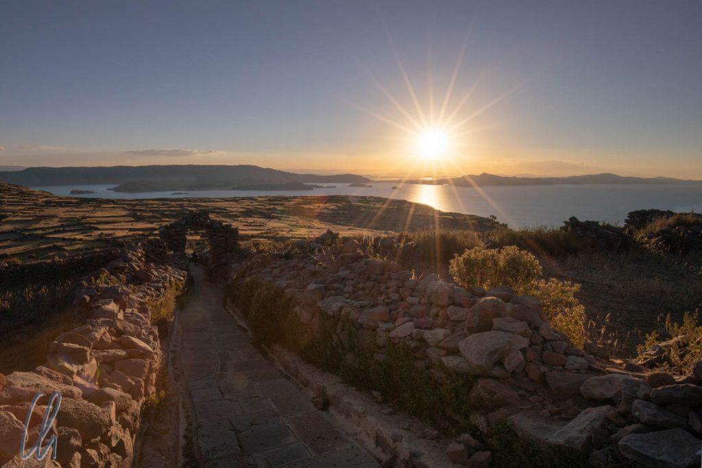 Sonnenuntergang auf dem Weg zum Gipfel von Pachatata