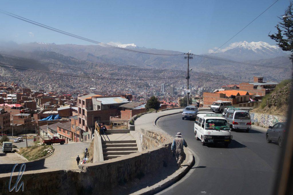 Auf der Fahrt von El Alto hinunter ins Tal nach La Paz