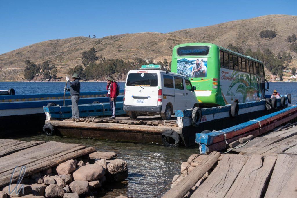 Die Passagiere mussten separat mit einem kleinen Motorboot übersetzen