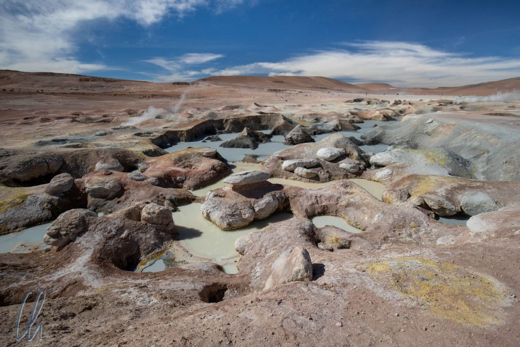 Eine abwechslungsreiche Farbpalette im Geothermalgebiet Sol de Mañana