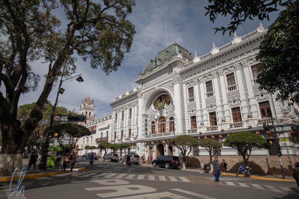 Die Prefectura de Chuquisaca an der Plaza 25 de Mayo