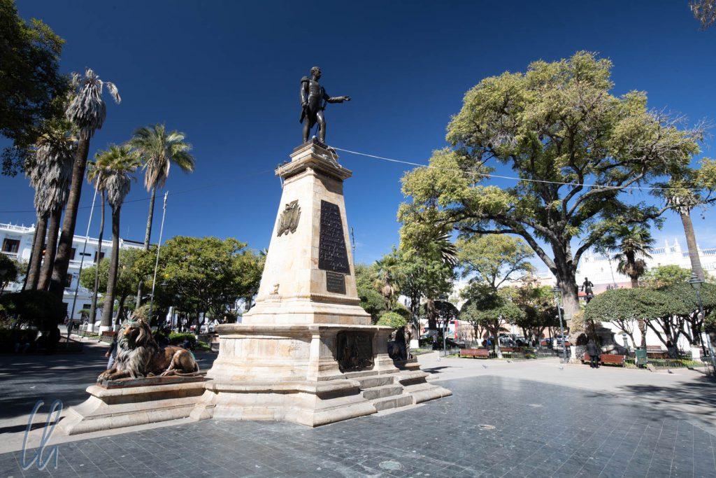 Statue von Mariscal Sucre auf dem Plaza 25 de Mayo