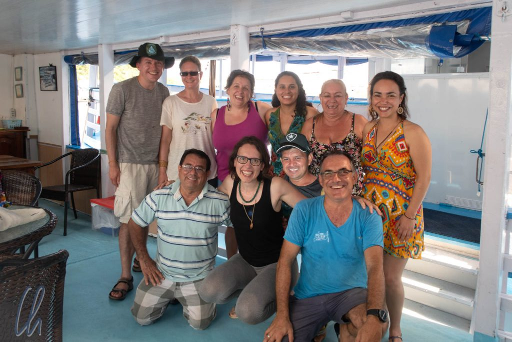 Gruppenbild mit Crew und Gästen: Jordi, Nonatus, Carmen, João, Gabriella, Vita, Carollina, Julia, Mona und Christian (von rechts nach links und von vorne nach hinten)