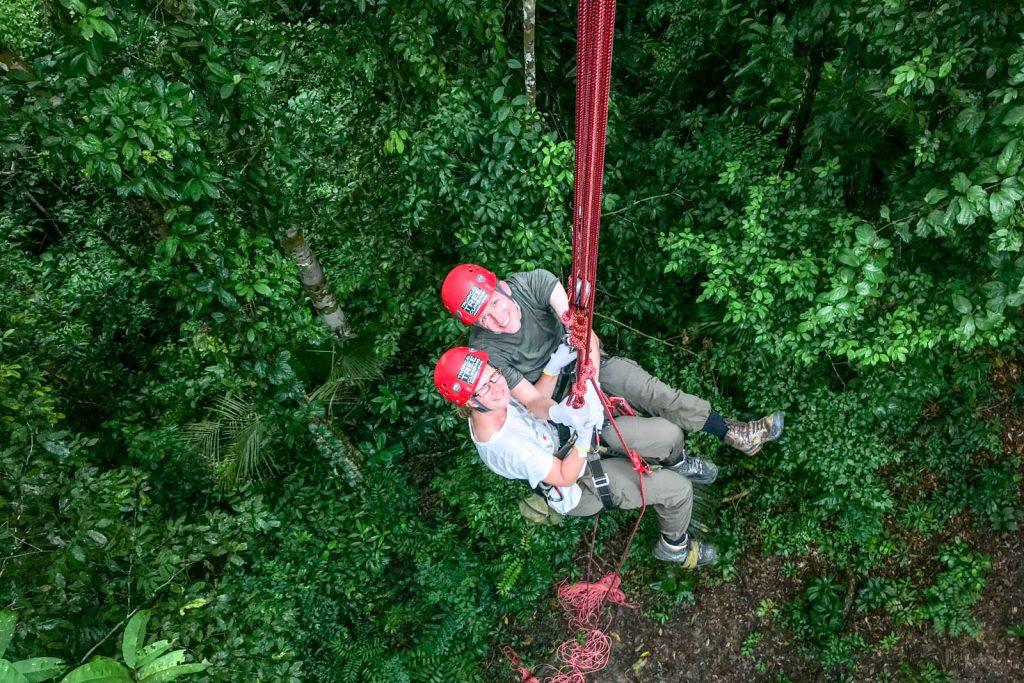 """Auf halbem Weg, langsam kletterten wir in die Höhe. (Foto von <a href=""""https://www.instagram.com/amazonemotions/"""">Leo</a>)"""