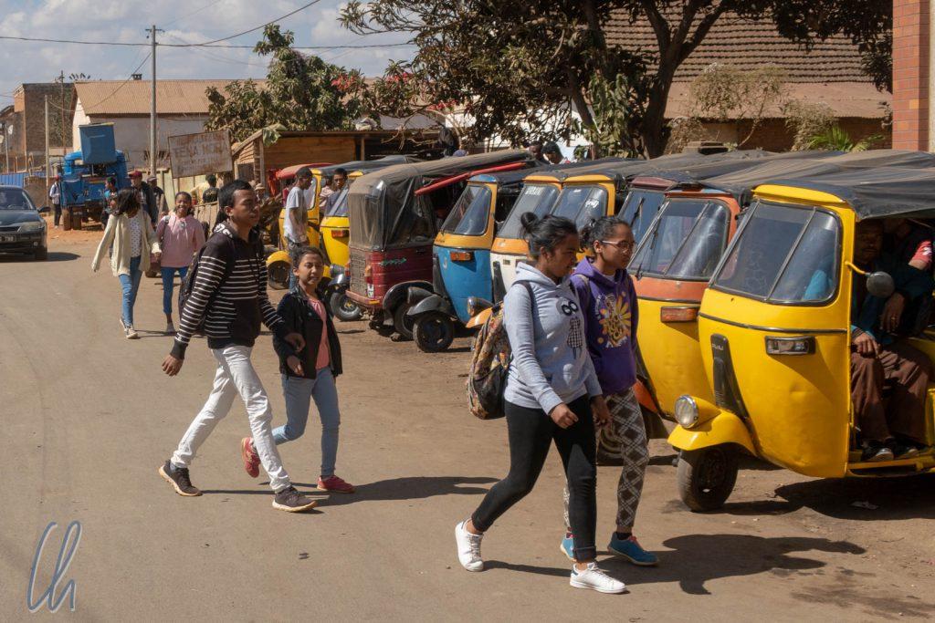 Auch Tuktuks gehören mittlerweile zum Straßenbild