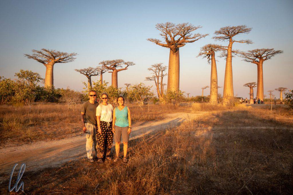 Zum Sonnenuntergang ist es an der Baobab-Allee am schönsten (und belebtesten)