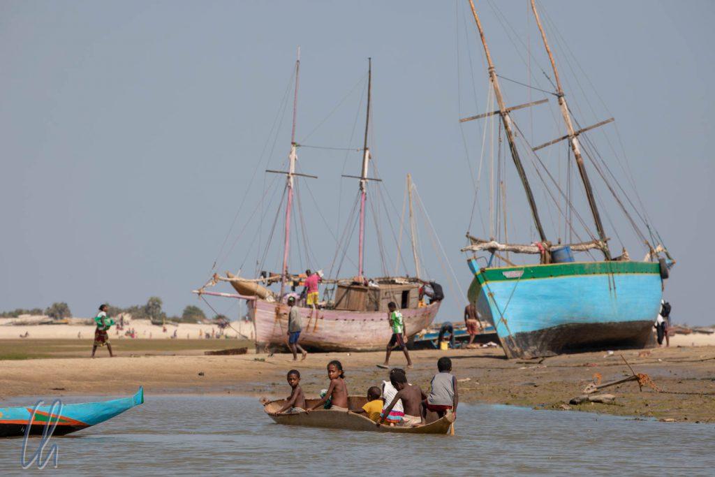 Strand und Meer, Boote und Fischer, auch das ist Madagaskar