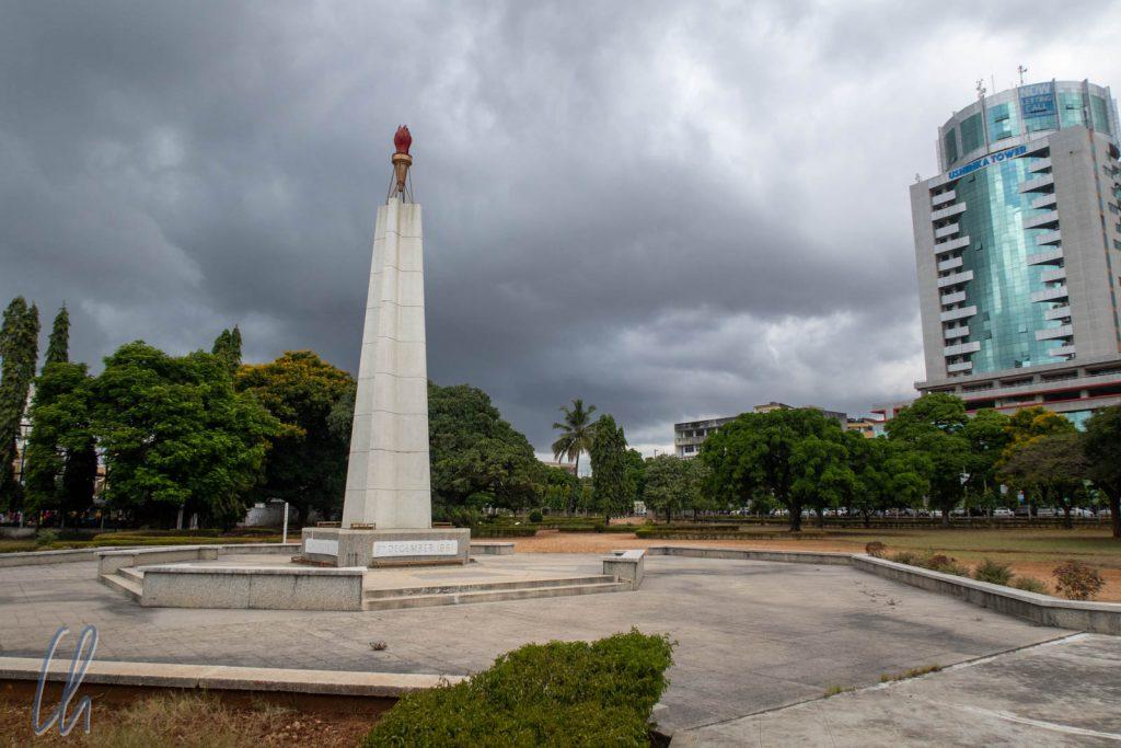 Das Uhuru Denkmal mit der Uhuru Fackel
