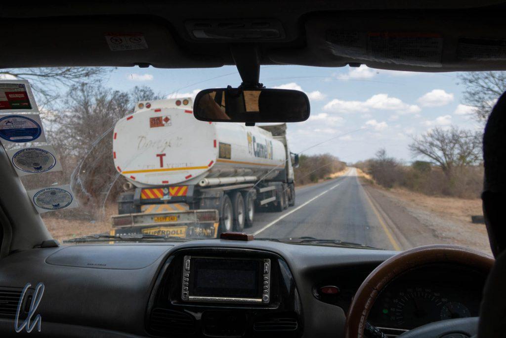 Auf dem Weg nach Westen ins Landesinnnere auf dem Tanzam Highway