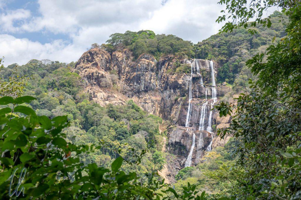 Die Sanje Falls im Udzungwa Nationalpark. Mit 170 Metern Höhe sind sie die höchsten Wasserfälle in Tansanias Nationalparks.