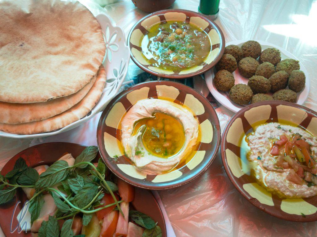 Arabische Kleinigkeiten (Mezze) zum Mittagessen