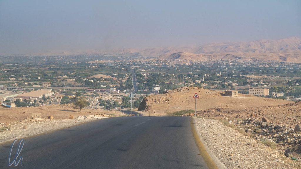150 Meter unter dem Meeresspiegel: Nördlich des Toten Meeres ergrünt die bewässerte Wüste.