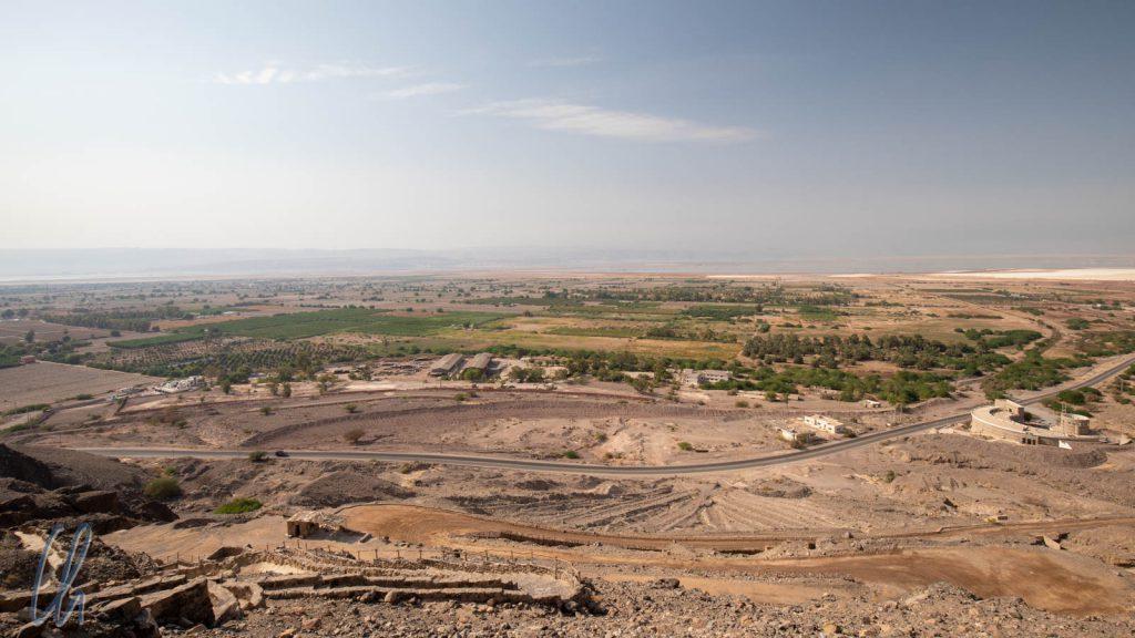 Blick in Richtung Totes Meer über landwirtschaftliche Nutzflächen