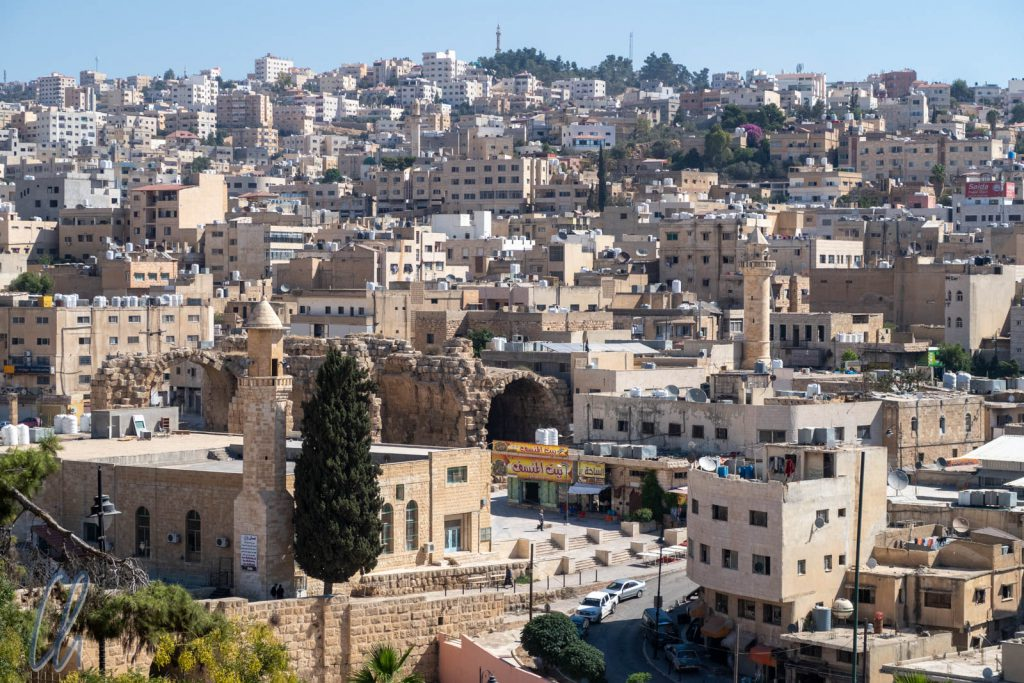 Auch im modernen Jerash gibt es einige antike Bauten.