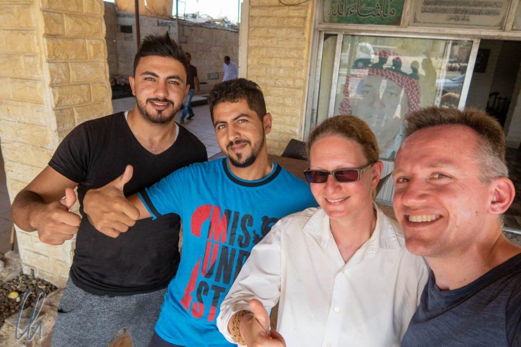 Selfie mit unseren Gastgebern