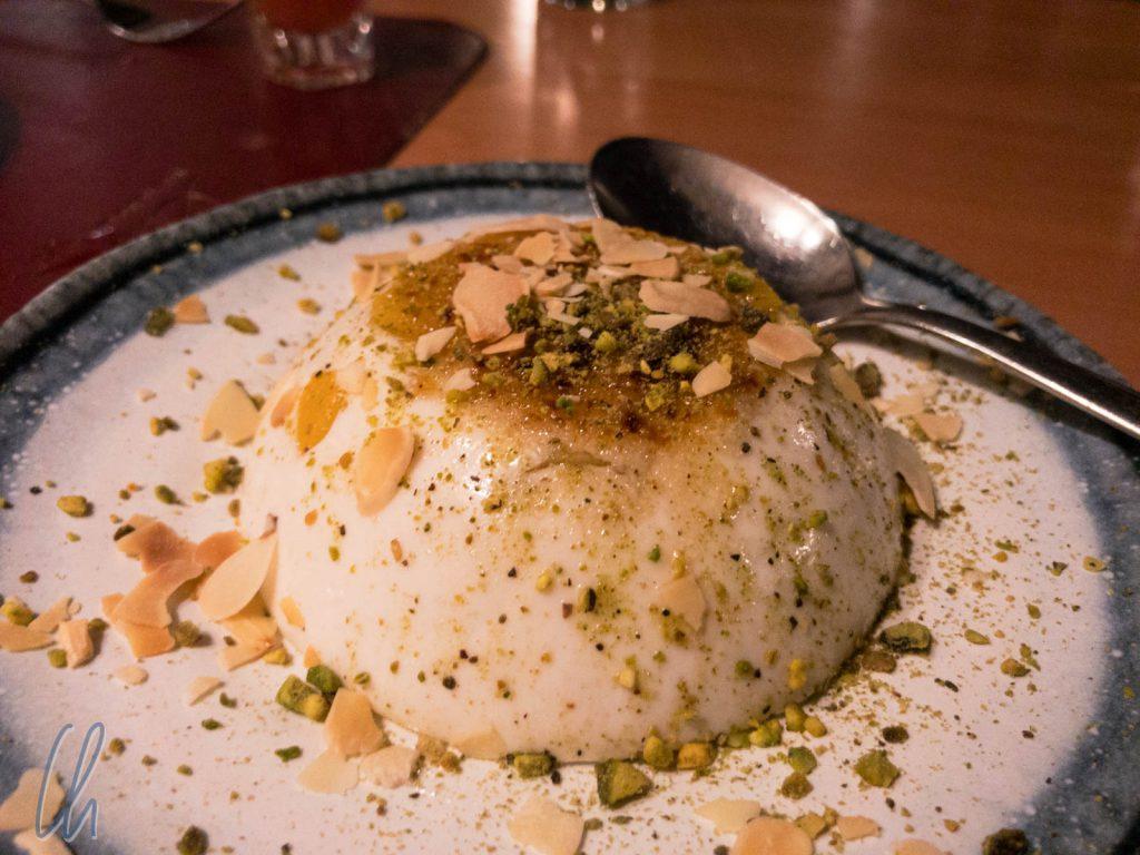 Muhallabiyeh ist eine delikate aber leichte Milchcreme.
