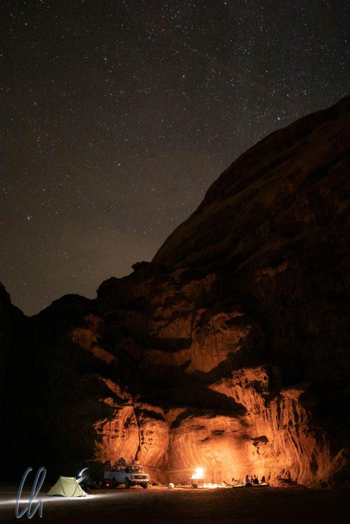 Nachts umgaben uns Dunkelheit und Stille.