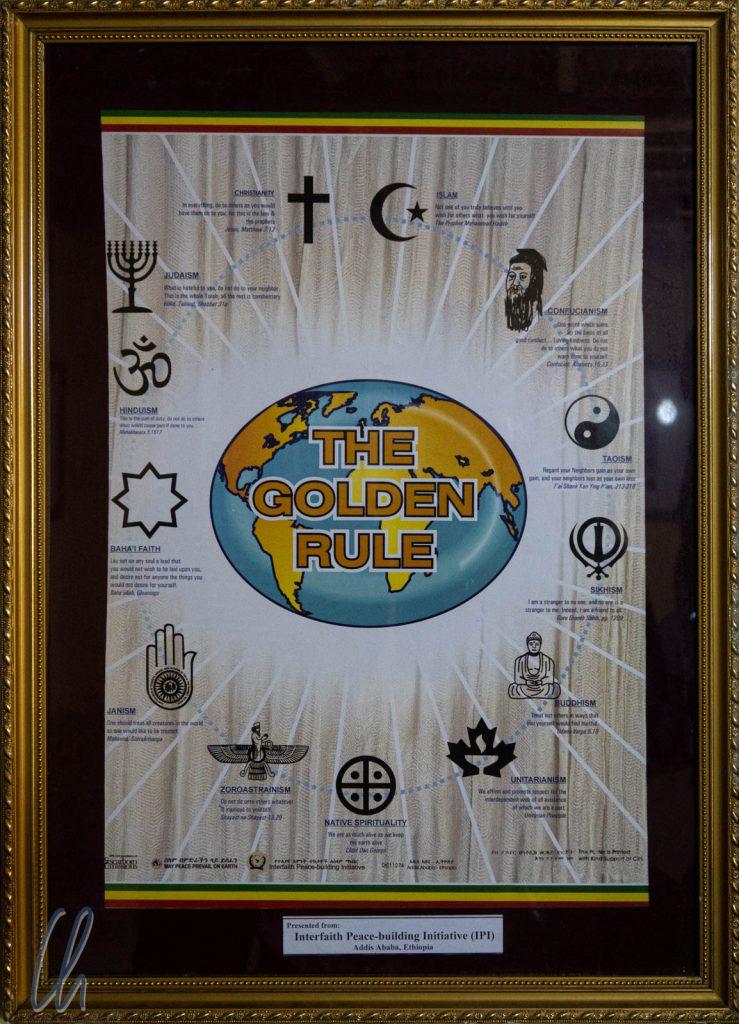Die Goldene Regel aller Religionen: Behandele alle Menschen, wie Du selbst behandelt werden möchtest.