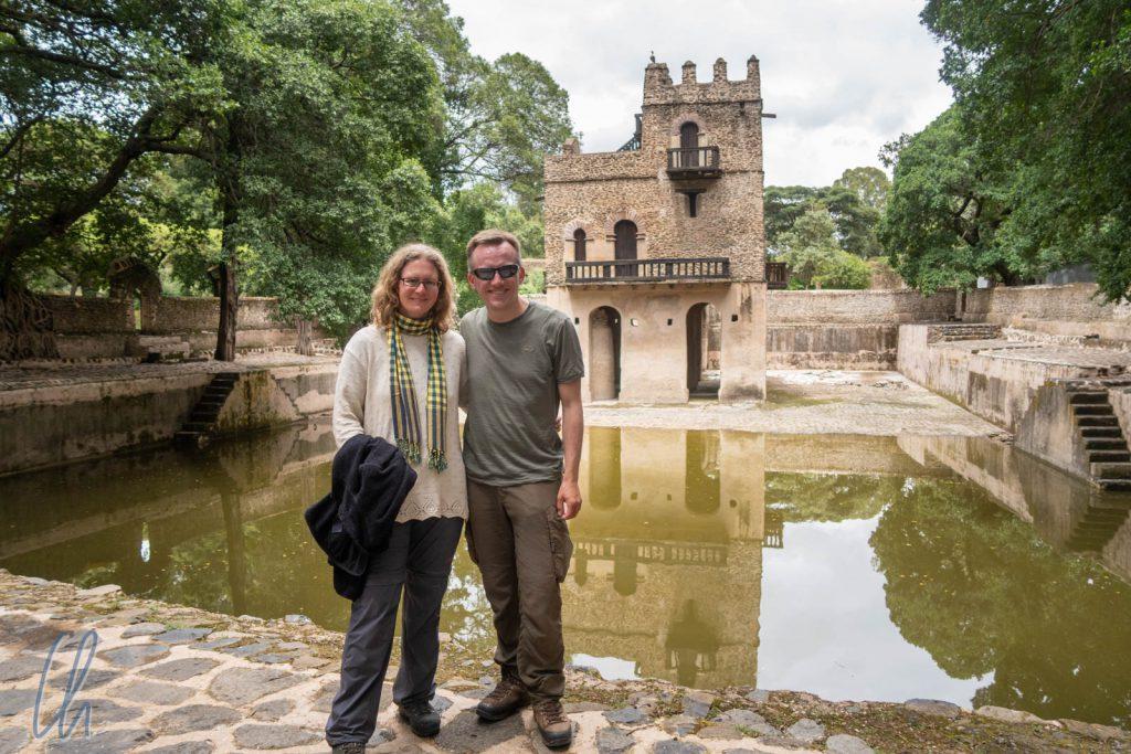 Fasilides Wasserschloss inmitten des nur mit etwas Regenwasser gefüllten Beckens