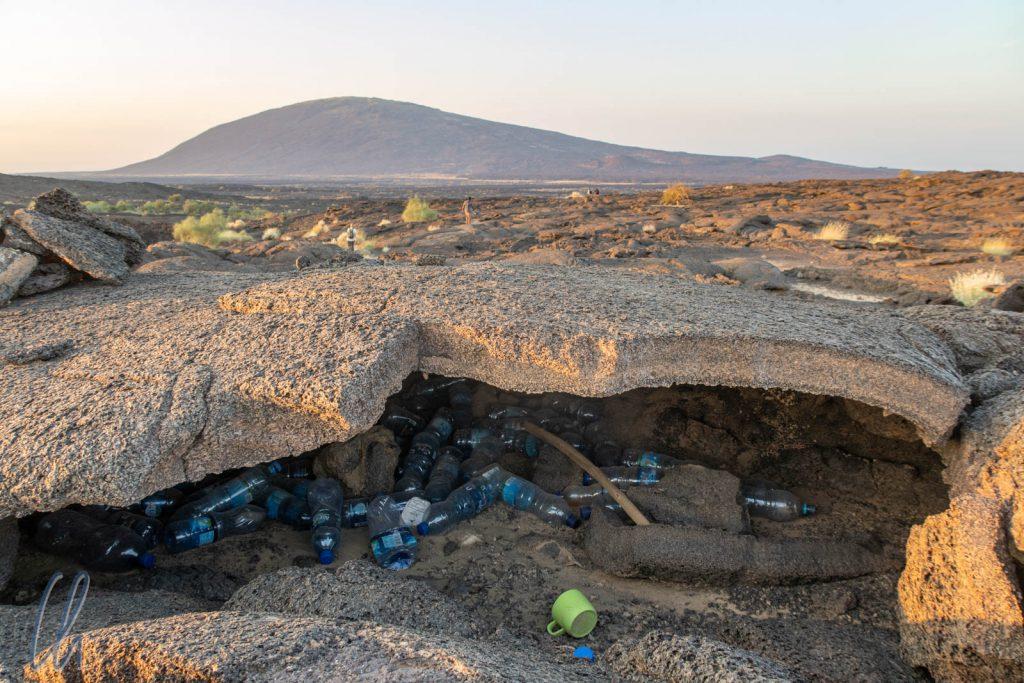 Eine der zahlreichen Müllhalden am Wegesrand. Ökotourismus sieht anders aus…