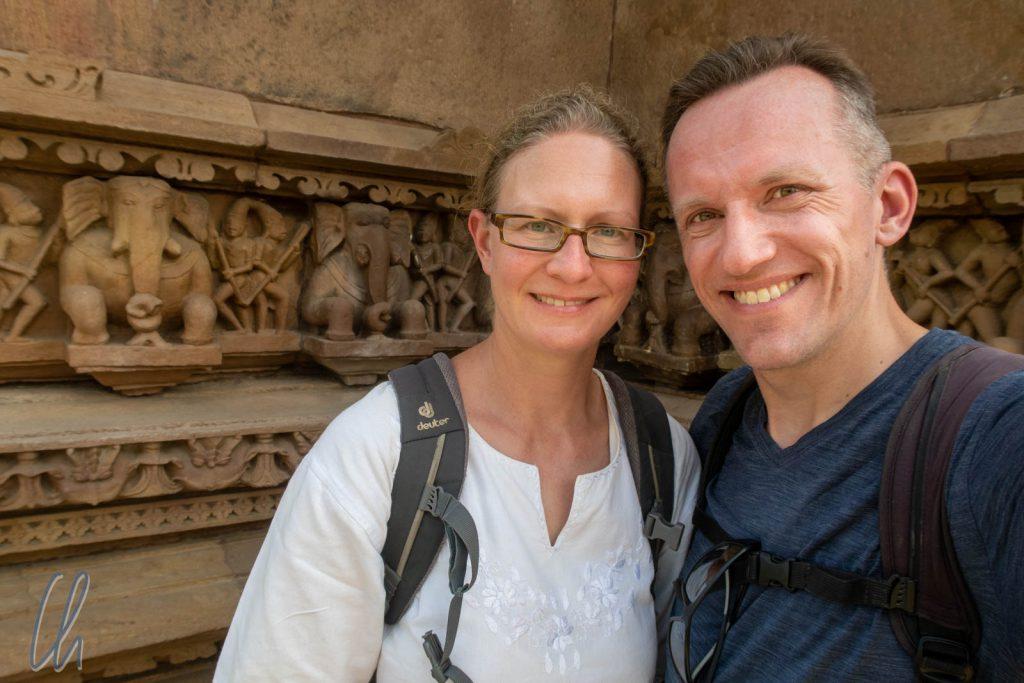 Selfie vor Elefantenfries
