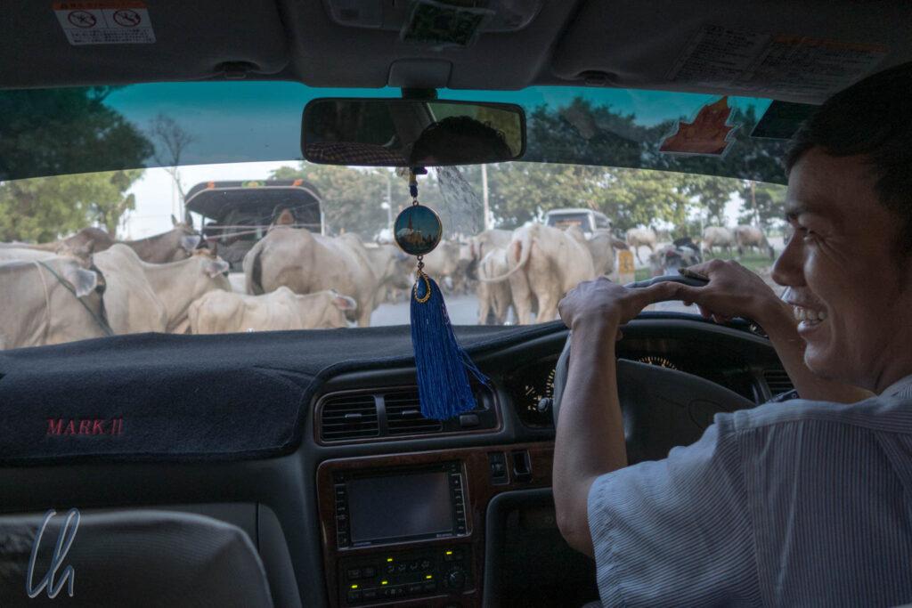 Verkehr in Myanmar: Ein kleiner Stau auf dem Weg zum nächsten Ziel