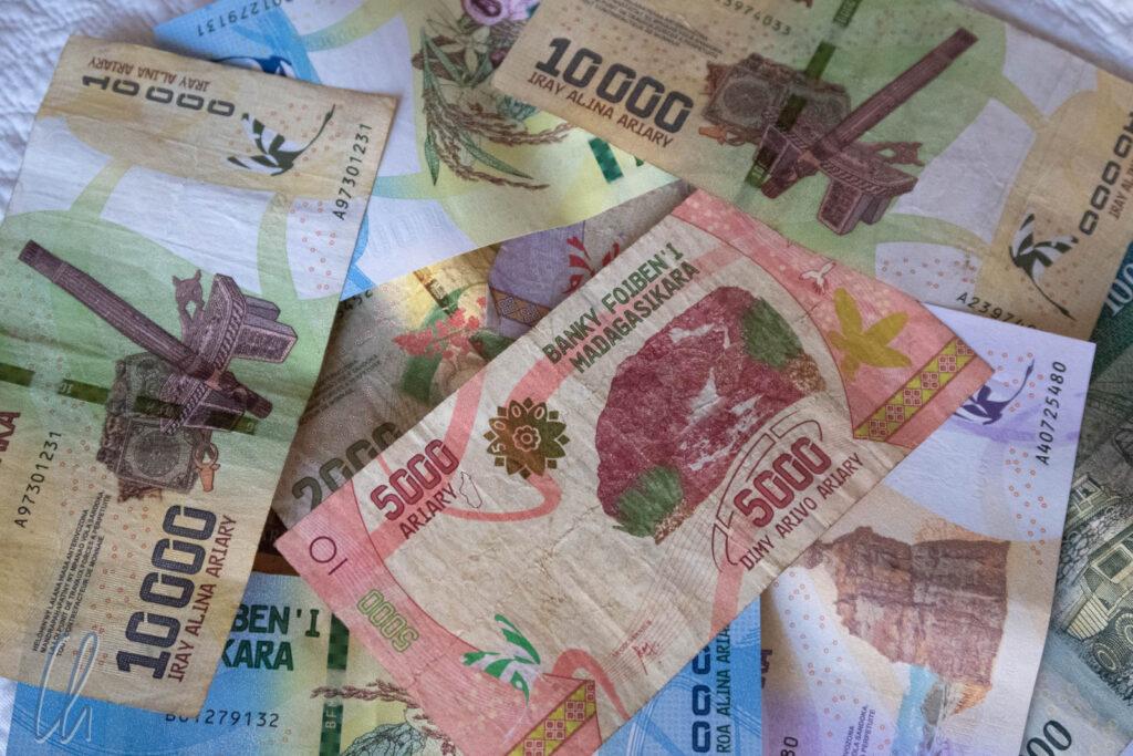 Zum Glück mussten wir keine indiskreten Zahlungen leisten, aber laut Korruptionswahrnehmungsindex könnten in Madagaskar und Kambodscha ein paar Scheine am meisten bewegen.